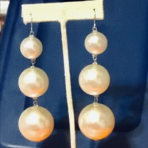 Jewelry - Large 3 pearl bead white earrings